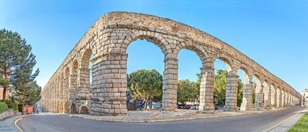 acueducto: Corner of ancient Roman aqueduct in Segovia, Castile and Leon, Spain Stock Photo