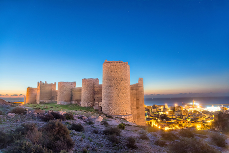 Part of medieval wall of Alcazaba on the hill, Almeria, Andalusia, Spaim 免版税图像