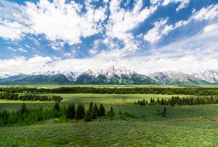 グランド ・ ティトン国立公園の雄大な眺め