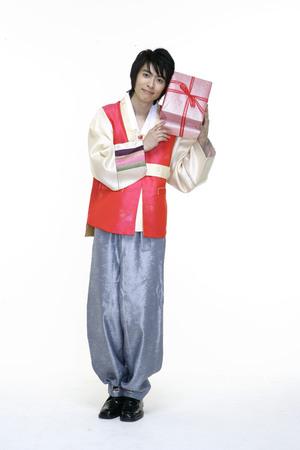 hanbok: Couple in Korean Dress