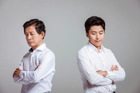 Portrait der glücklichen asiatischen Familie Standard-Bild