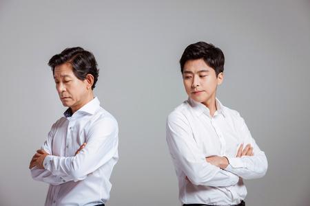 Portrait der glücklichen asiatischen Familie