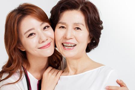 행복 한 아시아 가족의 초상화