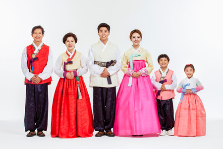 Portrét asijské tři generace rodiny v Hanbok, korejské tradiční oblečení