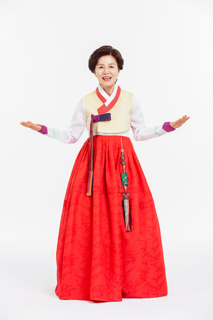 vestidos antiguos: Portrait of Asian Three Generation Family in Hanbok, Korean Traditional Clothes