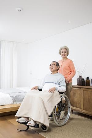 the elderly caregivers: Asian Elderly, Senior Lifestyle Stock Photo