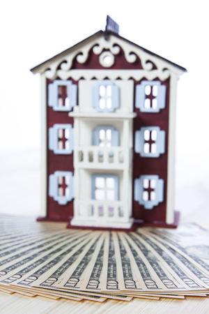alexander hamilton: Model houses used for real estate purposes
