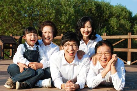 행복한 아시아 가정 스톡 콘텐츠