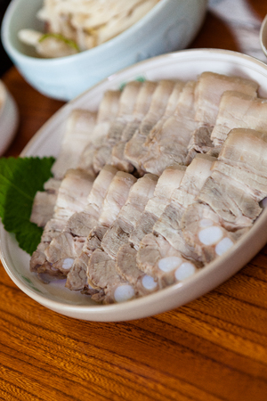 Korean food - Steamed pork Imagens