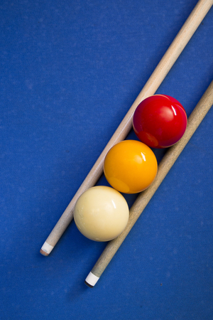 Play billiards on the pool table. 002