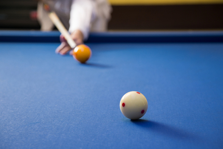 Play billiards on the pool table. 005 Banque d'images