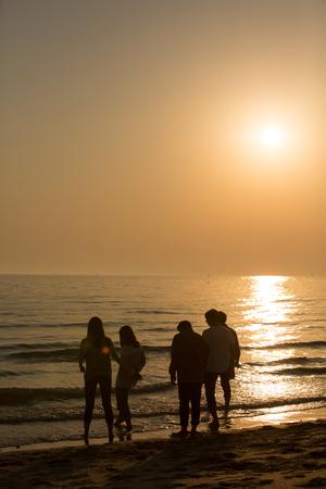 Photo de concept d'harmonie de groupe - Concept de bonheur de travail d'équipe et d'amitié. 227 Banque d'images - 94752454