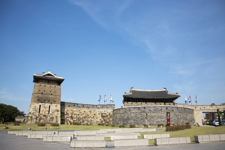 The historical cultural heritage,  Suwon Hwaseong in Korea. 185 Редакционное