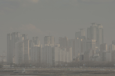 The City view, covered in dust. fine dusts covering up the air. 067 스톡 콘텐츠