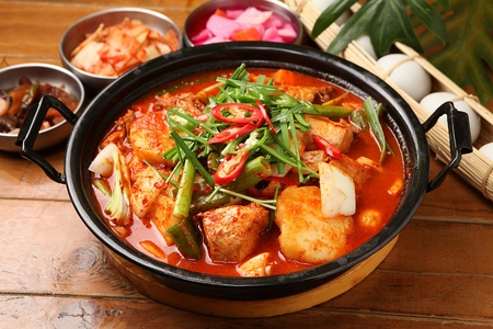 Korean-style braised Spicy Chicken with Vegetables