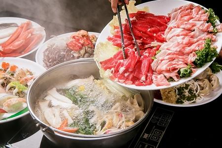 Beef Shabu-shabu 写真素材 - 107984624