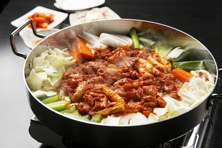 Korean cuisine dakgalbi, Spicy stir-fried chicken