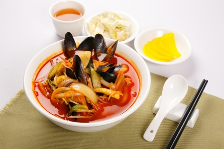 Spicy Korean-Chinese style seafood noodles soup, Jjambbong