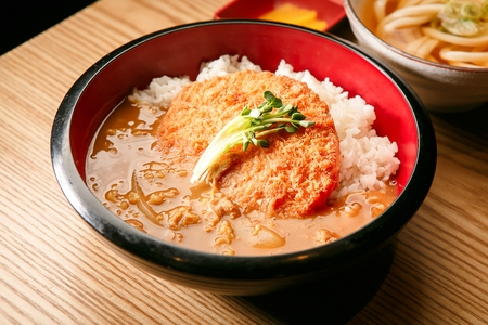 Curry katsu rice bowl Stock Photo