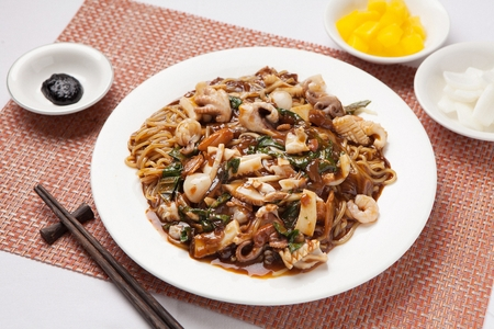 Black bean sauce noodles plate, Jjajang