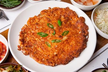 Kimchi pancakes, Korean cuisine Jeon 写真素材