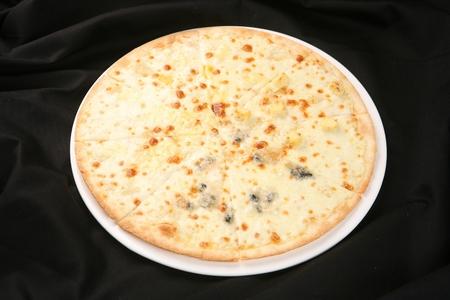 four cheese quattro formaggi pizza