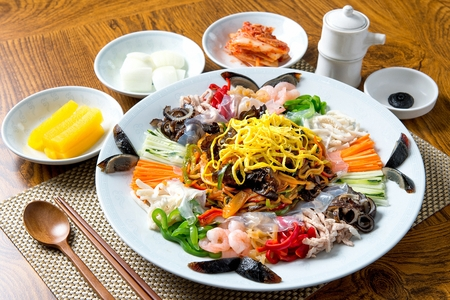 Assorted Seafood and Vegetables with Mustard Sauce Banco de Imagens