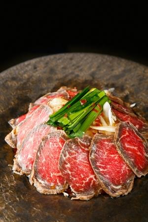 Tuna sashimi cooked slightly (tadaki)
