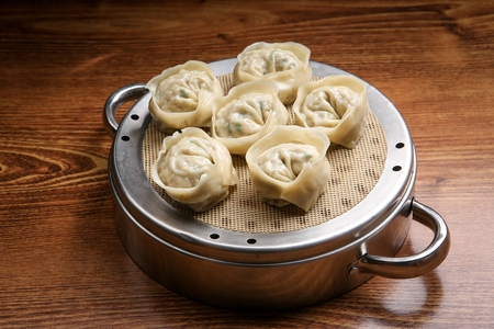steamed round dumplings on a steamer Archivio Fotografico