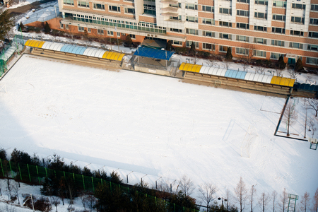 Winter scenery, snow piled up on school grounds 스톡 콘텐츠