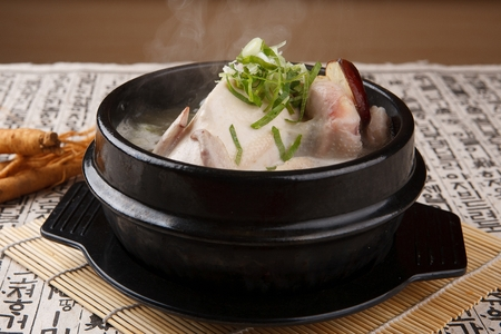 Chicken soup with walsh onion and ginseng, in pot