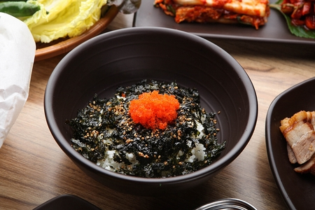 rice ball with flying fish roe and dried seaweed