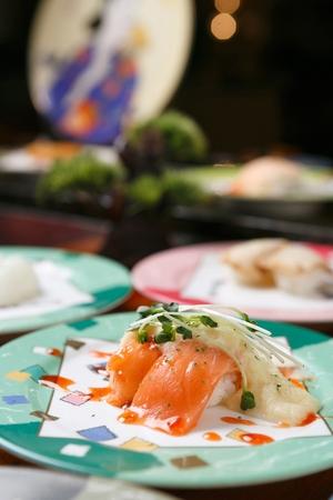 salmon sushi with grinded radish 免版税图像