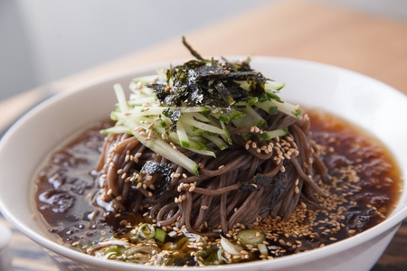 cold soba noodles with cucumber and dried seaweed
