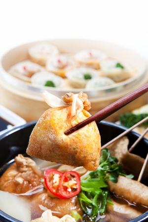 assorted fish cake soup with fried tofu in Ttukbaegi, earthen pot Stok Fotoğraf