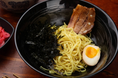 cold ramen with boiled egg, dried seaweed and barbecued marinated pork