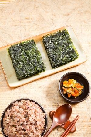 dried seaweed and rice