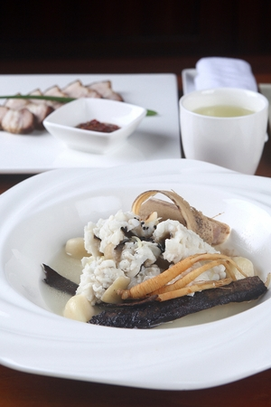 eel soup with oriental ingredients like ginseng