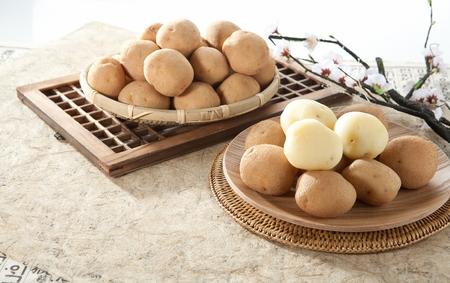 Jerusalem artichokes and potatoes