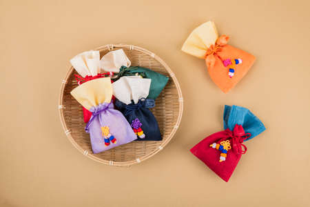 the Korean traditional wrapping cloth, refreshments and greeting card 089 스톡 콘텐츠 - 151110772