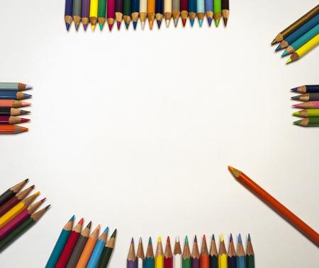 空白記号の周りの色鉛筆 写真素材