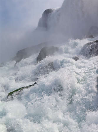 rushing: American Landmark: The Rushing Waterfall of Niagara Falls