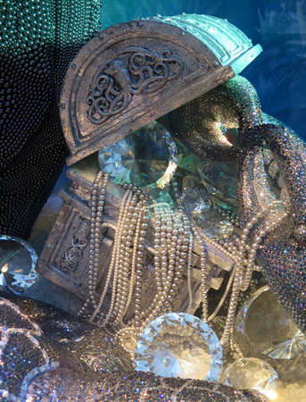 treasure trove: Still life of sparkling sunken treasure chest filled with pearls and diamonds