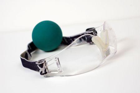 racquetball: Raquetball artes en un fondo blanco.