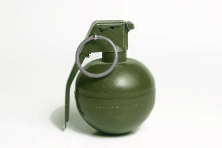 Hand Grenade isoliert auf weißem Hintergrund  Standard-Bild - 267345