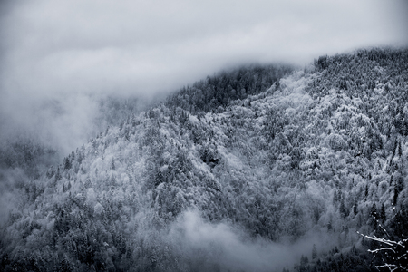 Winter has set in in the mountains 写真素材