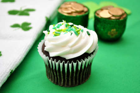 st  patty's: Chocolate Cupcakes on a Silver Tray