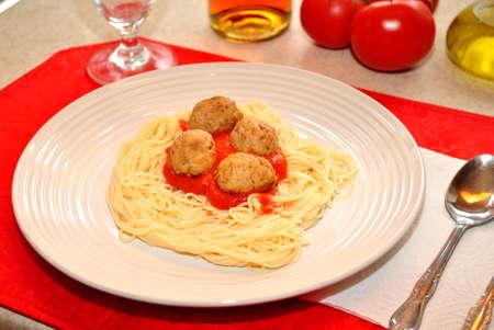 Spaghetti et boulettes de viande Dîner Banque d'images - 25187675