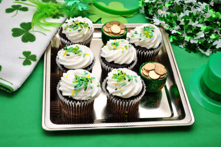st  patty's: St Patrick s Day Cupcakes on a Silver Platter