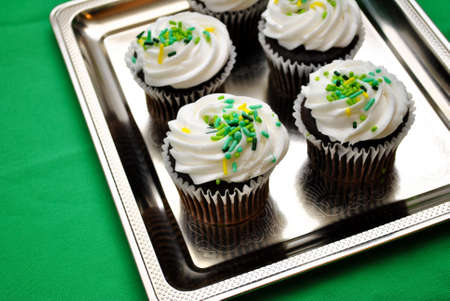 st  patty's: Decorated Cupcakes on a Serving Tray